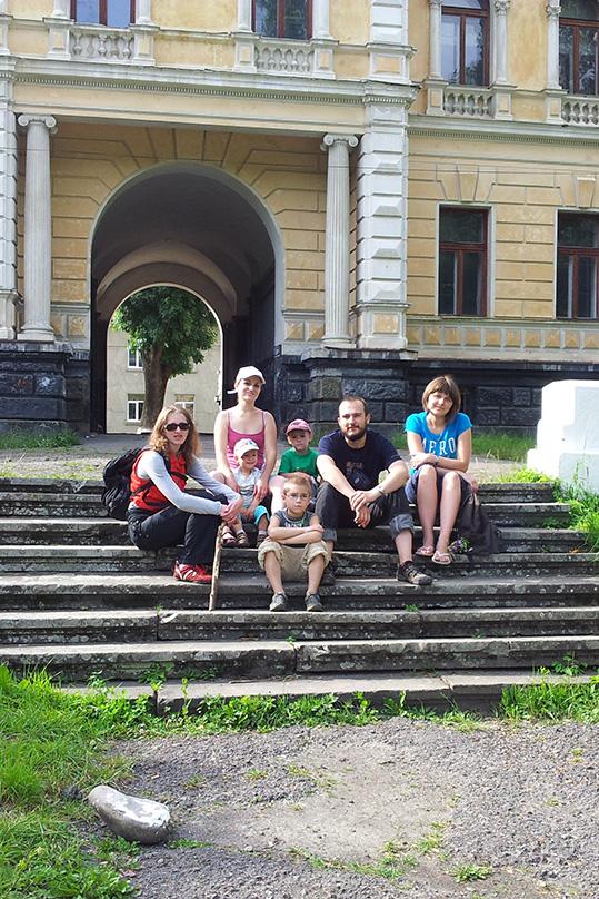 Палац баронів Грьоделів і ми :)