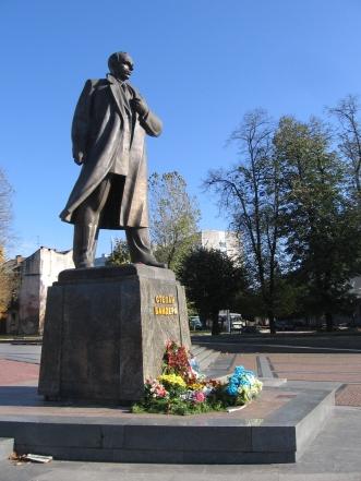 Памятник Степану Бандері