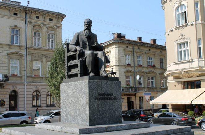 З Михайлом Грушевським Франко не лише працював у НТШ, а й був сусідом...